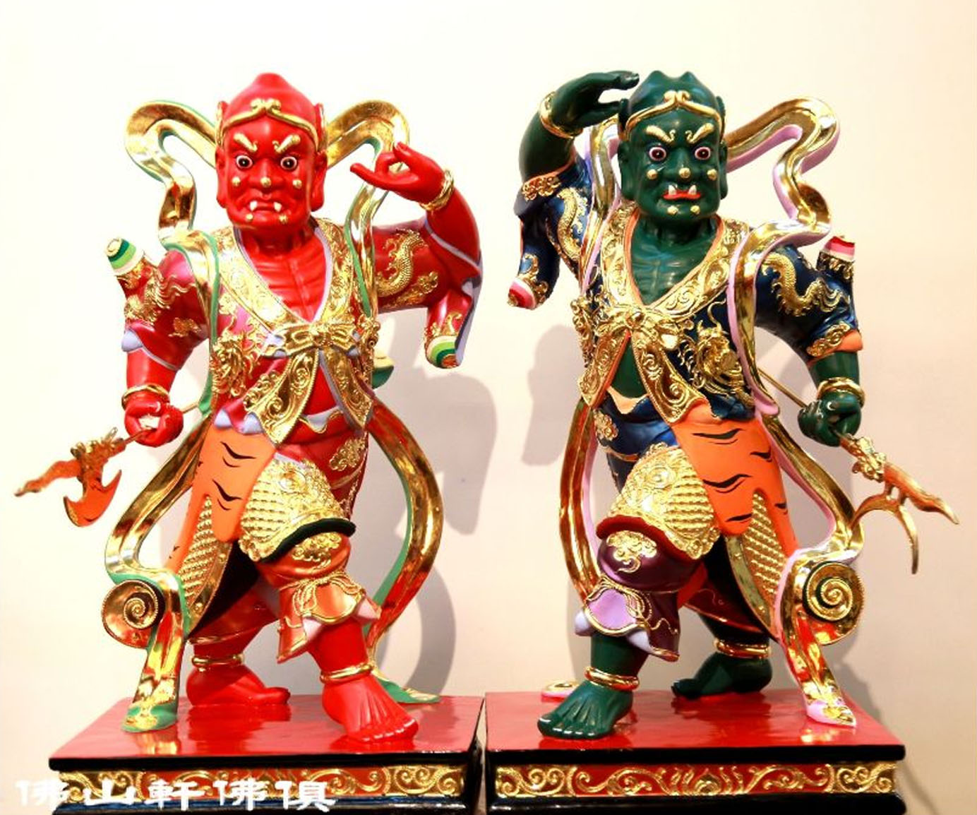 Qianliyan and Shunfenger religious statues